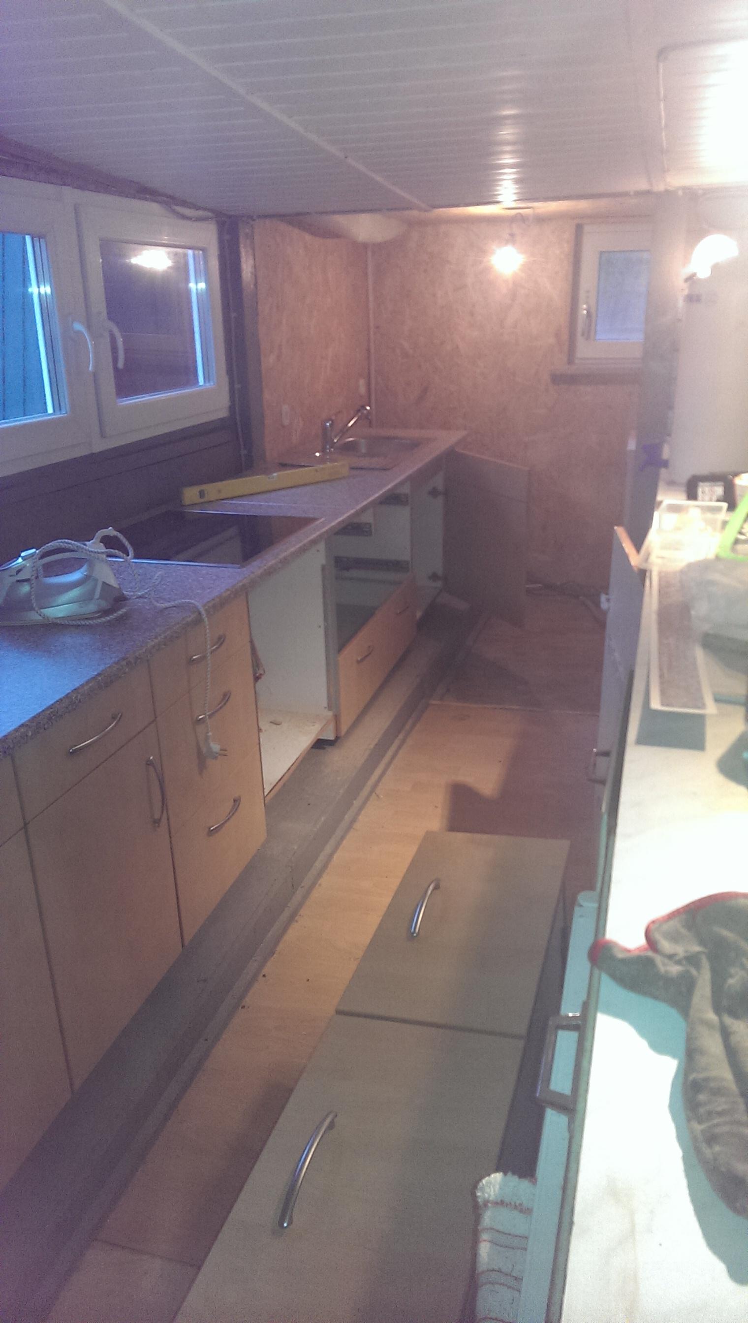 aufbau kuche simple kreative bauhaus wasserhahn ka che chen ideen home design kuchen respekta. Black Bedroom Furniture Sets. Home Design Ideas